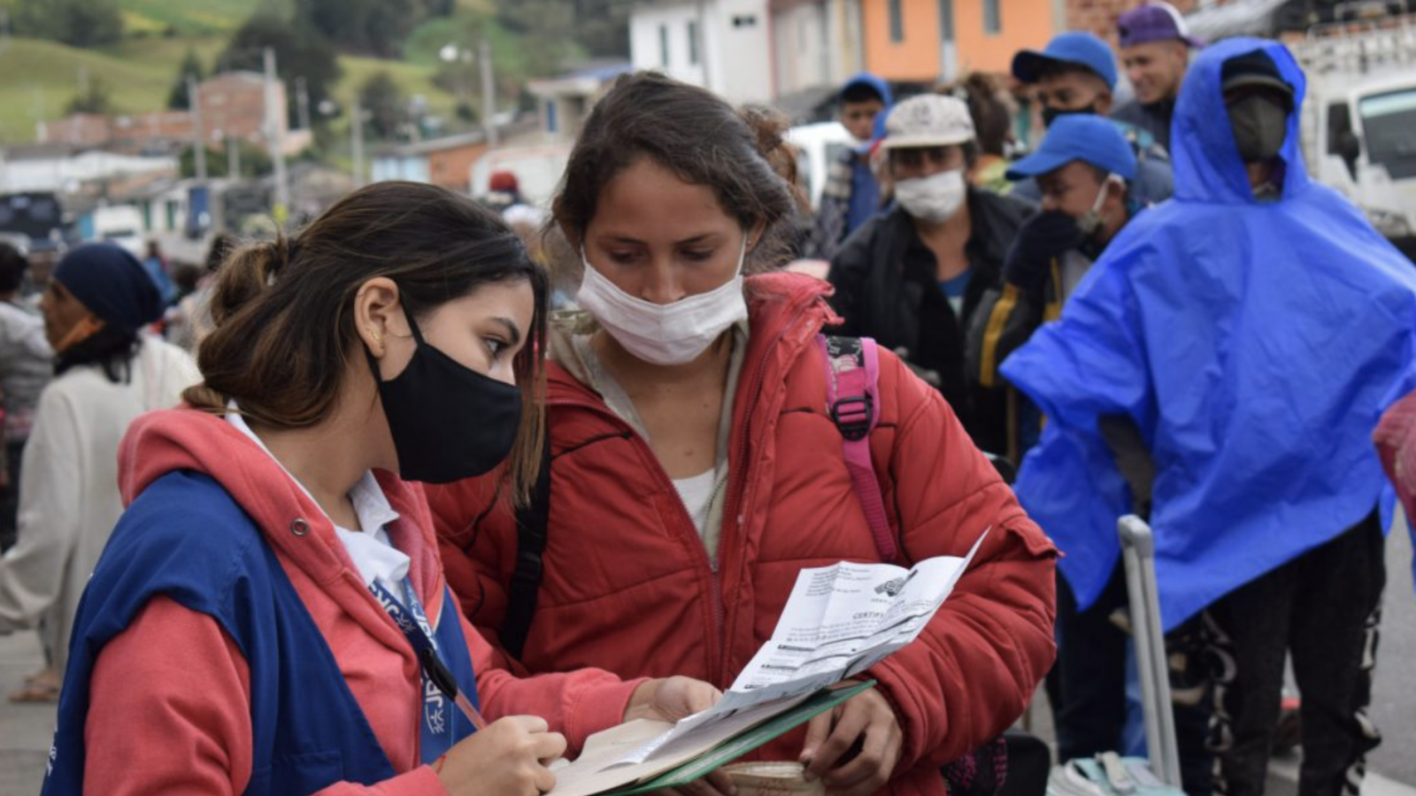 JRS Colombia staff assist asylum seekers from neighboring Venezuela during COVID-19 in 2020.